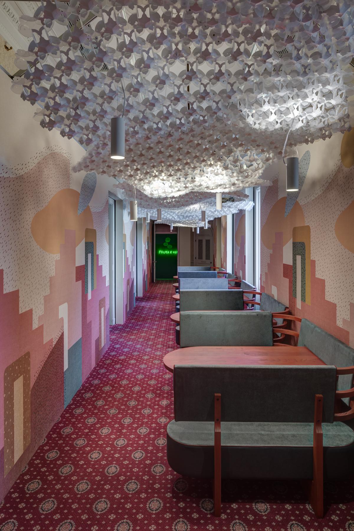 14 - Corridoio ristorante 1